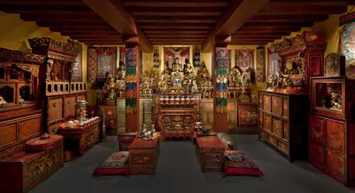 The-Tibetan-Shrine-Room-at-the-Rubin-Museum
