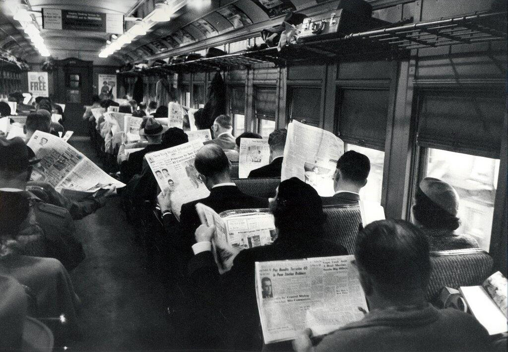 reading_on_train